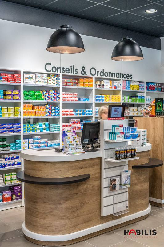 agencement pharmacie comptoir design